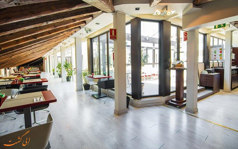 خدمات رفاهی هتل پوتیت پالاس پرسیادوس مادرید - فضای درونی هتل