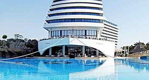 هتل تایتانیک بیچ لارا در آنتالیا