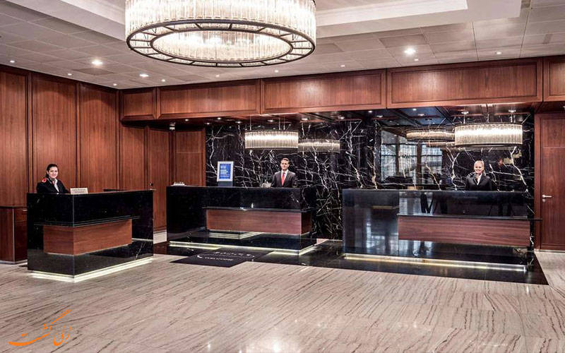 خدمات رفاهی هتل ماریوت زوریخ- میز پذیرش