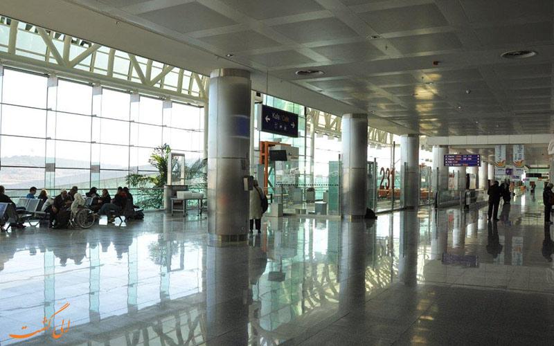 فرودگاه عدنان مندرس