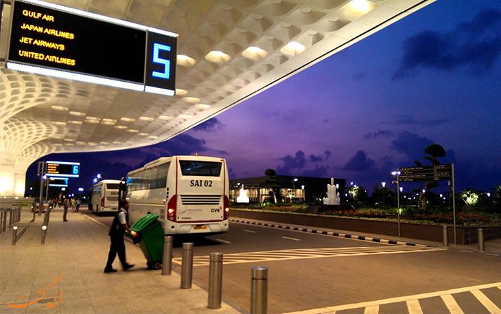 اتوبوس در حمل و نقل فرودگاه بمبئی