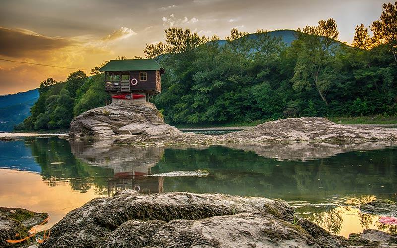 خانه ای در رودخانه