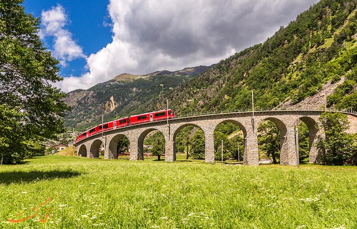 قطار Brusio Viaduct