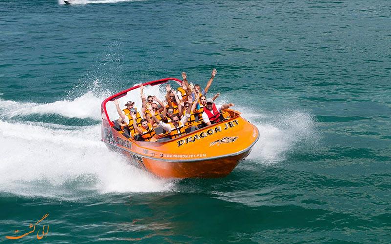انواع ورزش های آبی - قایق سواری با قایق سریع السیر