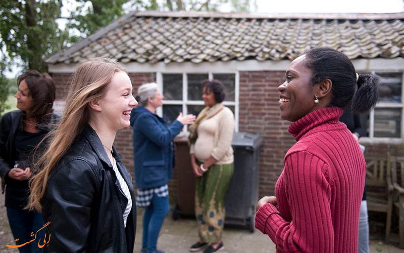 چرا یادگیری زبان هلندی در سفر مهم است؟