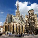 کلیسای جامع استفان، بنایی باقی مانده از قرن ۱۲ میلادی در وین