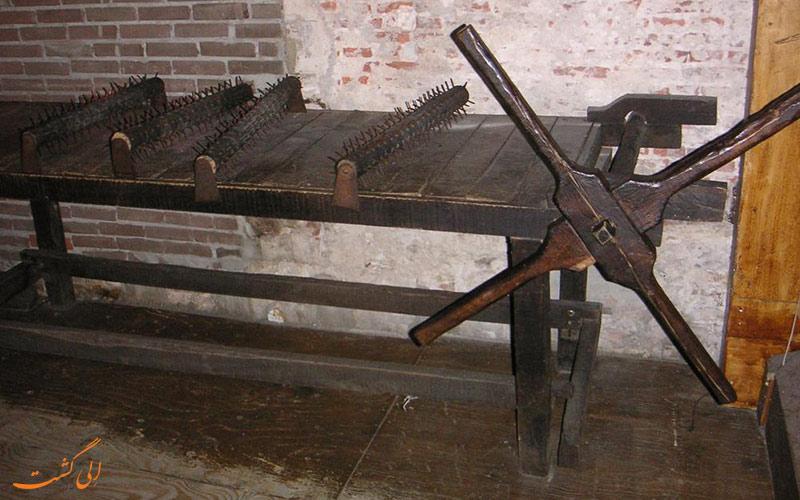 لوازم شکنجه در موزه