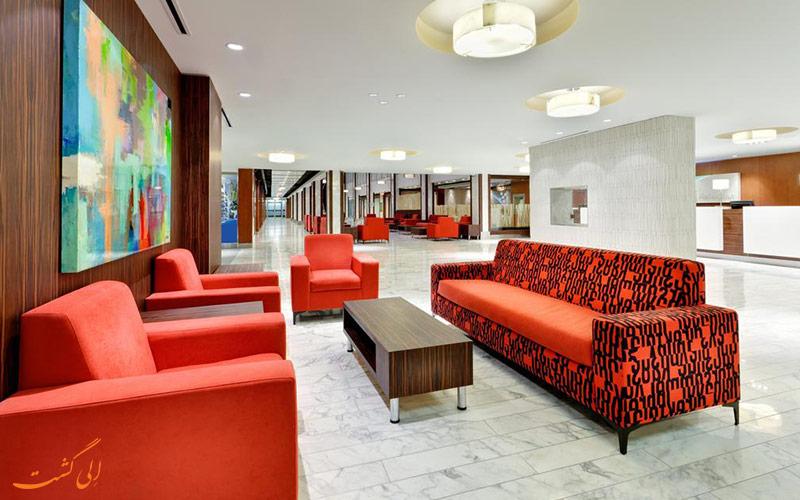 هتل هالیدی این داون تاون سنتر تورنتو | لابی