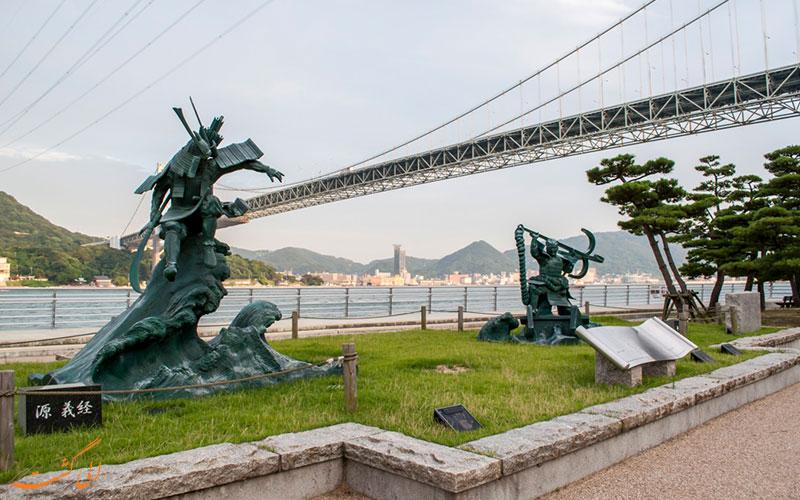 مجسمه برنزی دو جنگجوی سامورایی