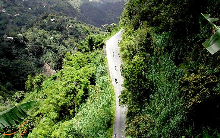 دوچرخه سواری در کوهستان آبی