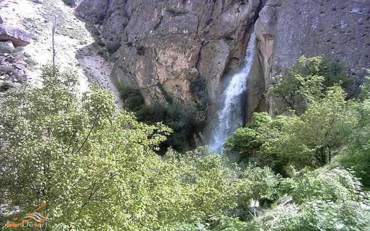آبشار زیبای شاهاندشت