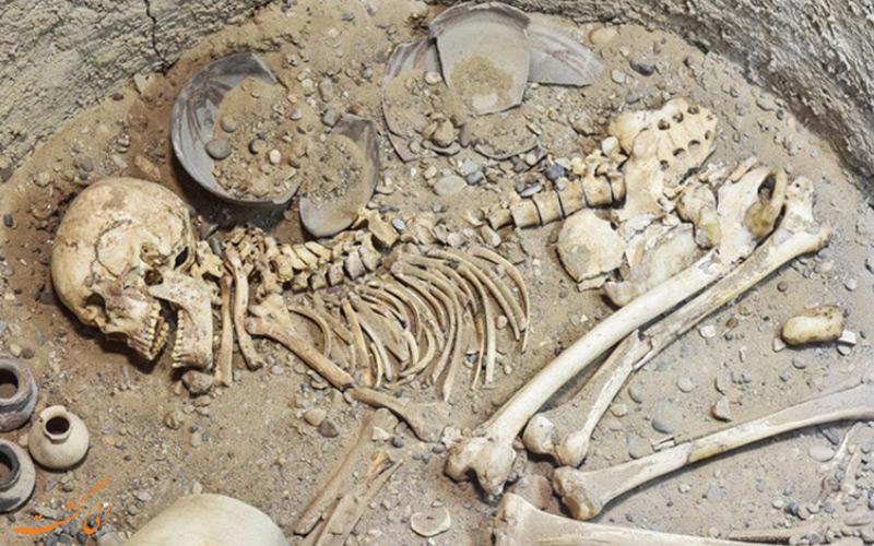 دفن مردگان در شهر سوخته
