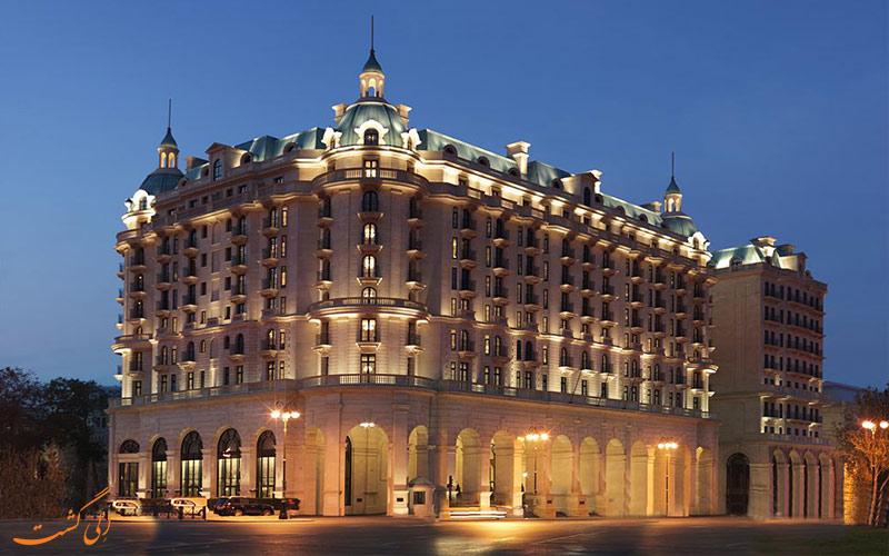 هتل فور سیزنز باکو- نمای هتل در شب