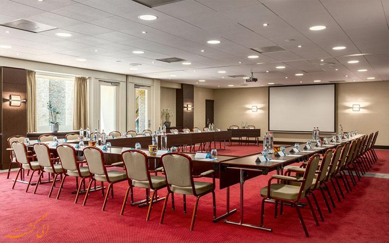 خدمات رفاهی هتل ان اچ سنتر آمستردام- اتاق کنفرانس