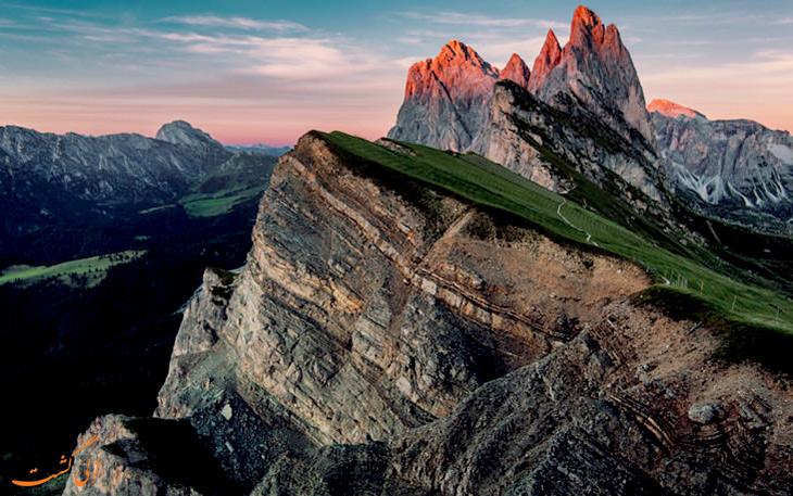 دره ی دولومیت در ایتالیا