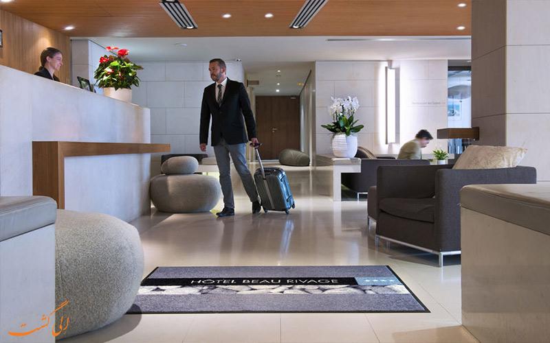 خدمات رفاهی هتل بیو ریویج نیس- میز پذیرش