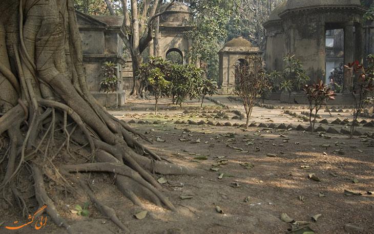 بازدید از گورستان تاریخی و ترسناک کلکته