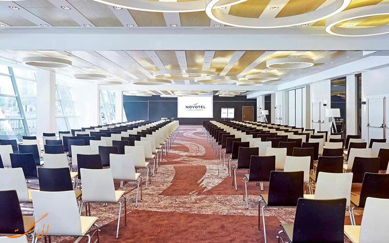 خدمات رفاهی هتل نووتل سنترام ورشو - اتاق کنفرانس