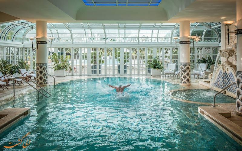 امکانات تفریحی هتل کاوالیری رم- استخر