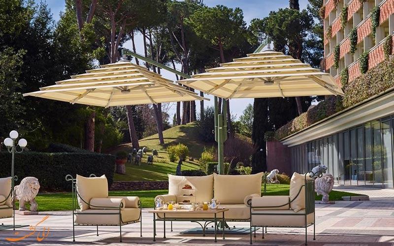 خدمات رفاهی هتل کاوالیری رم- باغ