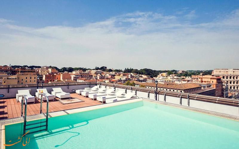 هتل مرکیور سنترو کلوسئو رم- استخر پشت بام هتل