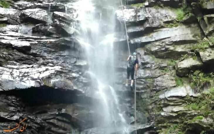 هیجان فرود از آبشار