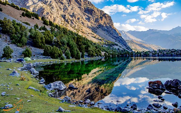 دریاچه زیبا اسکندرکول
