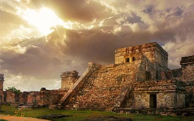 ویرانه های تولوم در مکزیک