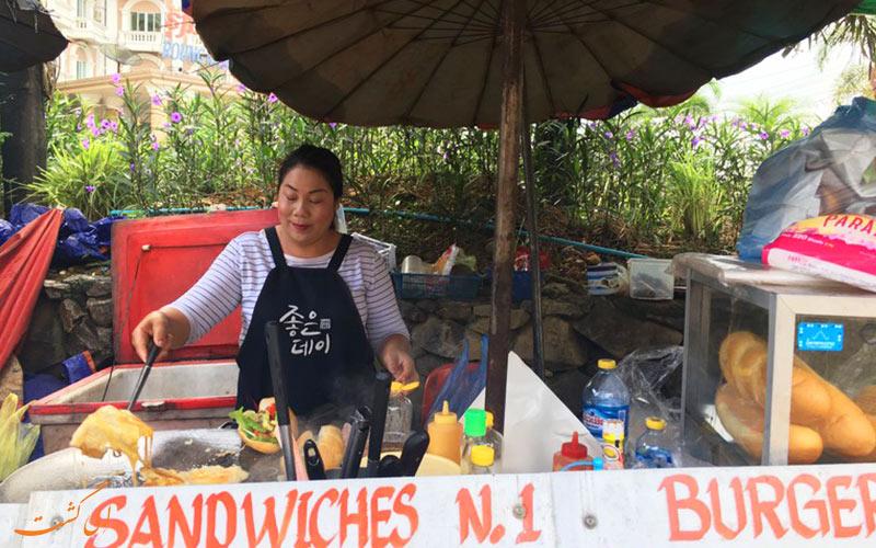 فروشنده های خیابانی در ونگ وینگ لائوس