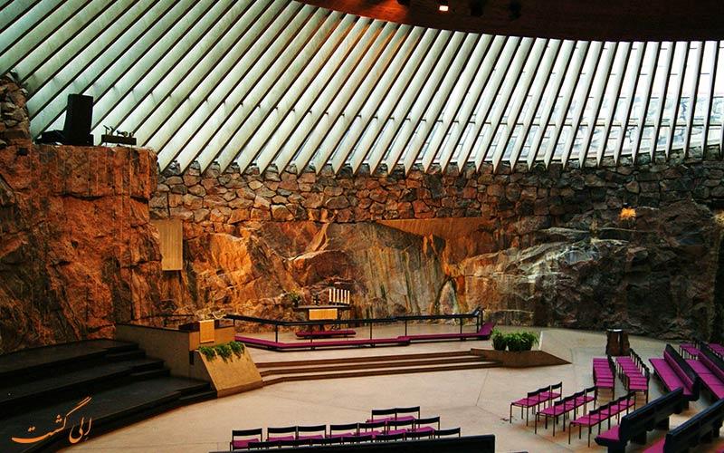 نمای داخلی کلیسای تمپلیاکیو فنلاند