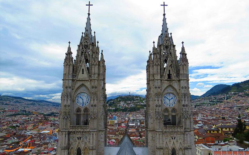 نمای کلیسای وحدت ملی اکوادور