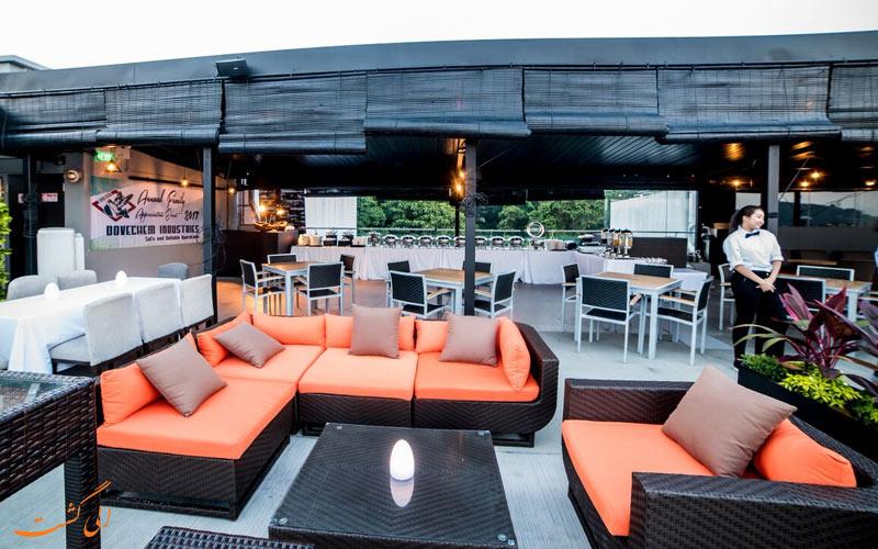 هتل بی سنگاپور | رستوران پشت بام