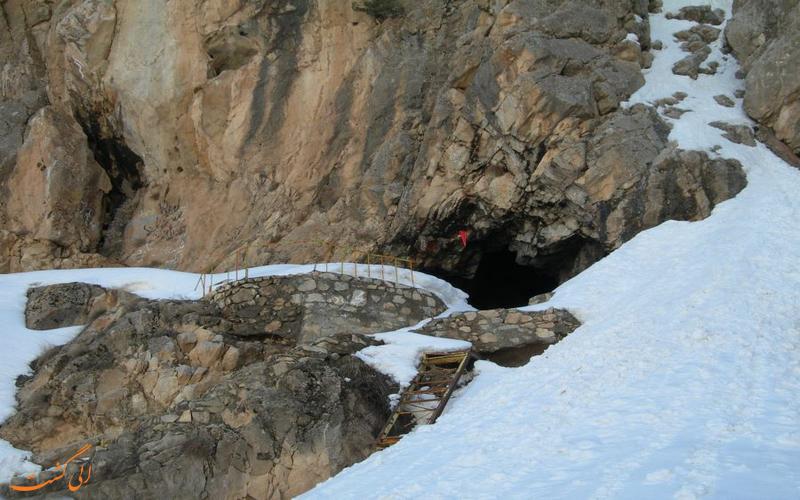 دهانه غار یخ مراد