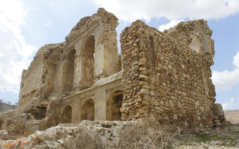 بقایای قلعه رئیسی