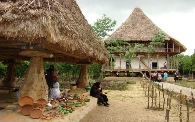 گردشگران در موزه میراث روستایی گیلان