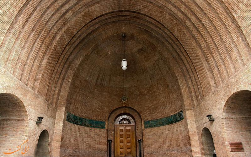 سر در موزه ایران باستان