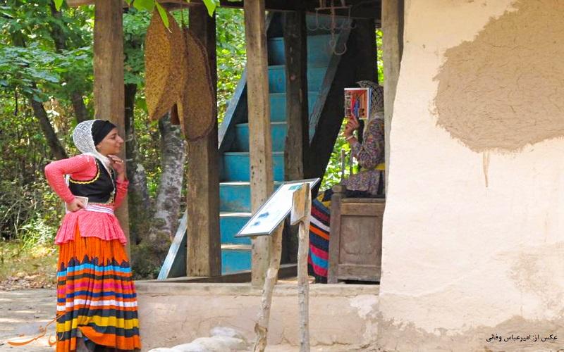 پوشش محلی زنان گیلکی