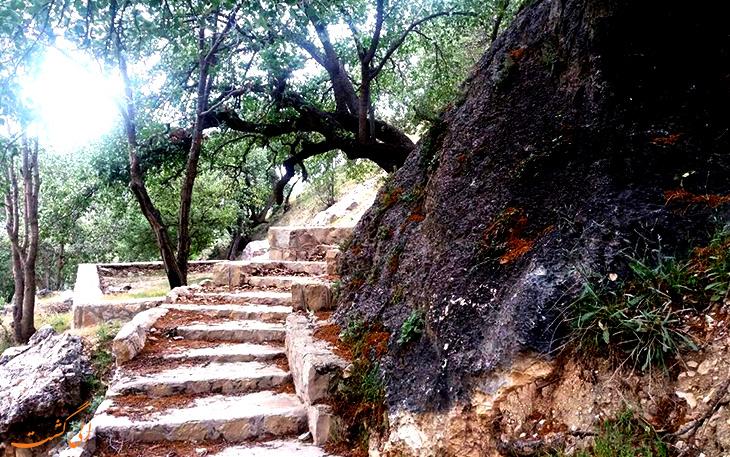 جاذبه ی آبشار تنگ تامرادی در یاسوج
