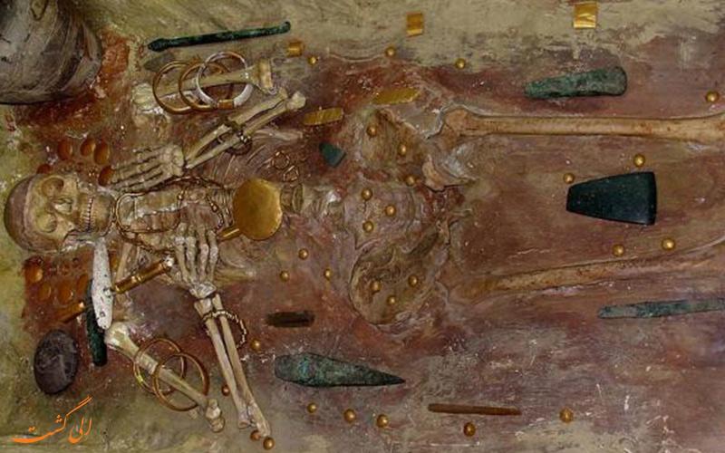 کشف قبر 5 هزار ساله