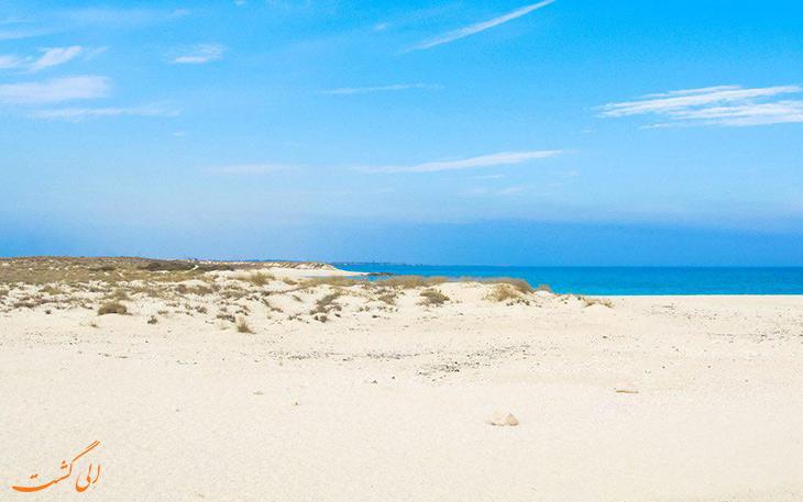 ساحل شنی و مرجانی جزیره لاوان