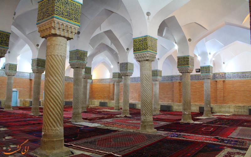شبستان زیبای مسجد