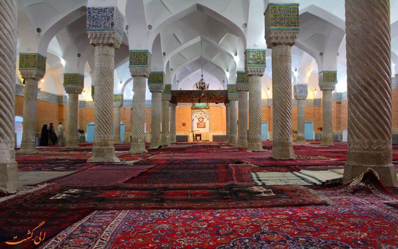 نمایی از شبستان مسجد