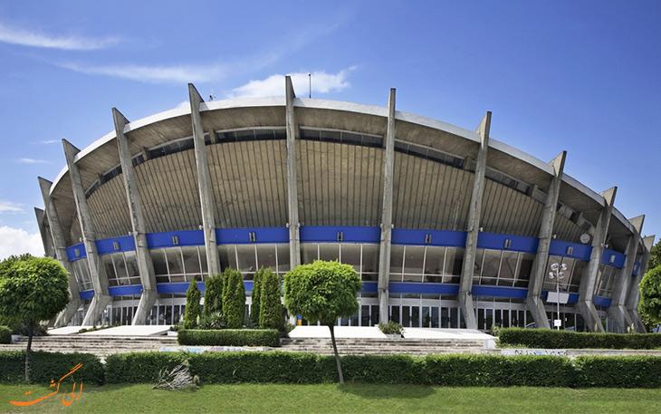 قصر فرهنگی و ورزشی وارنا