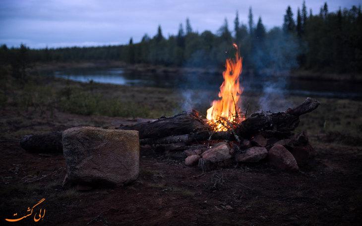 برپایی آتش در طبیعت