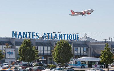 حمل و نقل فرودگاه نانت