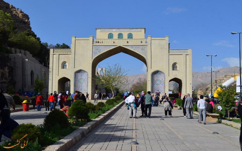 نمایی از دروازه قرآن شیراز