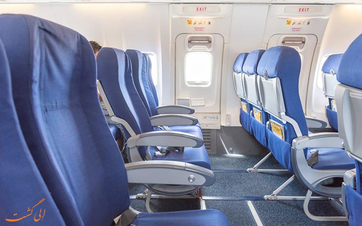 صندلی های کنار در هواپیما