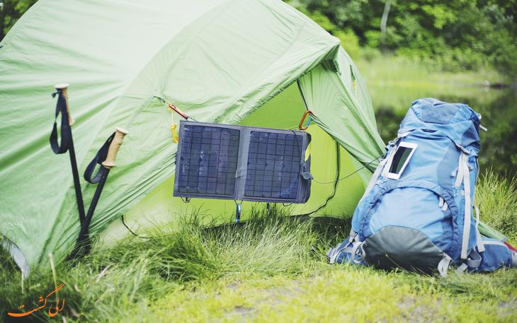 پنل انرژی خورشیدی بر روی چادر