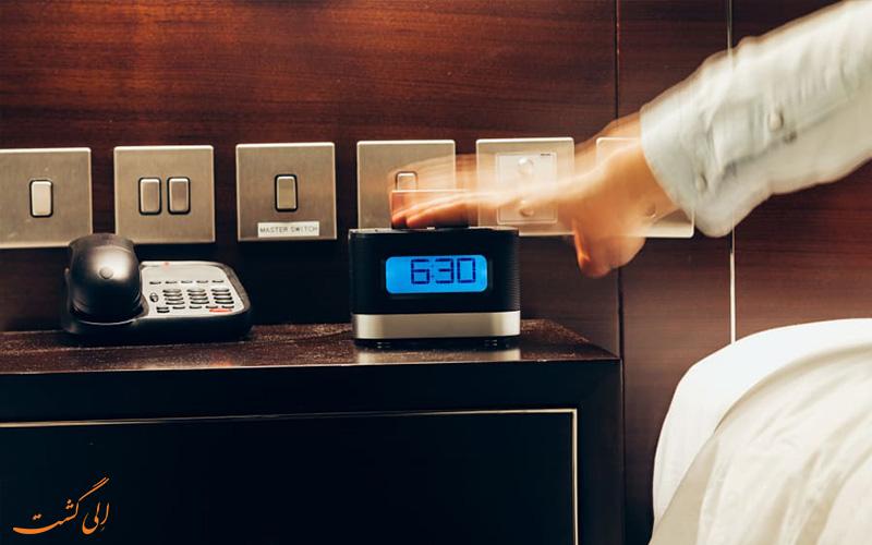 تحویل اتاق هتل -درخواست دهید