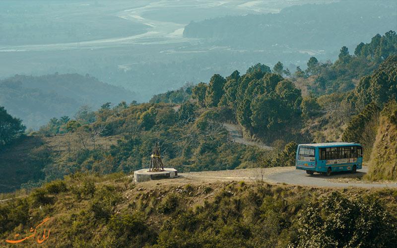 ماشین گرفتگی در سفر - جاده پر پیچ و خم